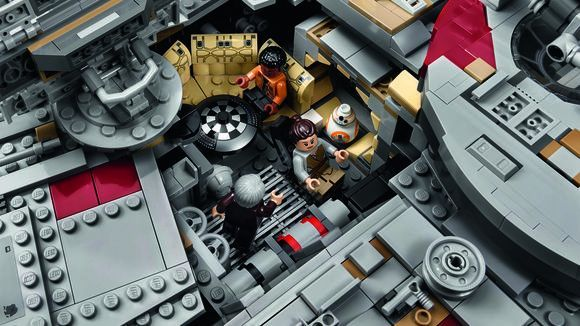 LEGO's New UCS Millennium Falcon Will Cost $800 | Collider