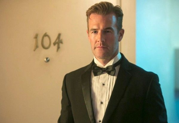 room-104-james-van-der-beek