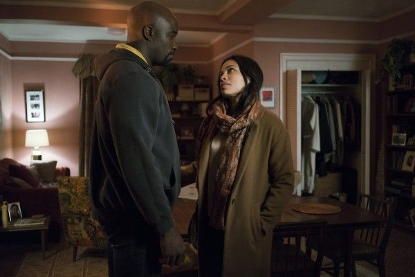 the-defenders-rosario-dawson-mike-colter