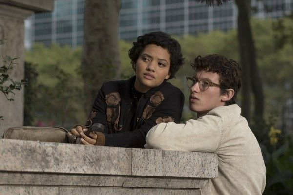 the-only-living-boy-in-new-york-kiersey-clemons-callum-turner