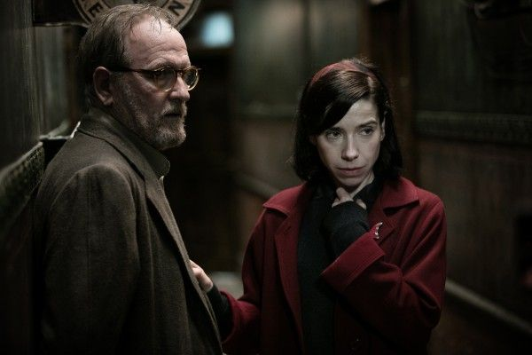 the-shape-of-water-richard-jenkins-sally-hawkins