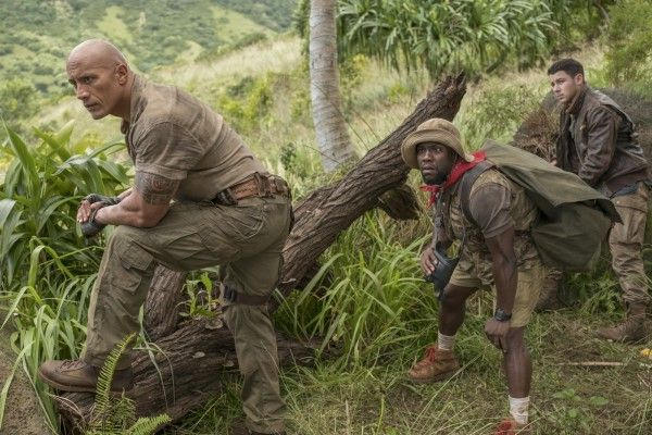 jumanji-welcome-to-the-jungle-dwane-johnson-kevin-hart-nick-jonas