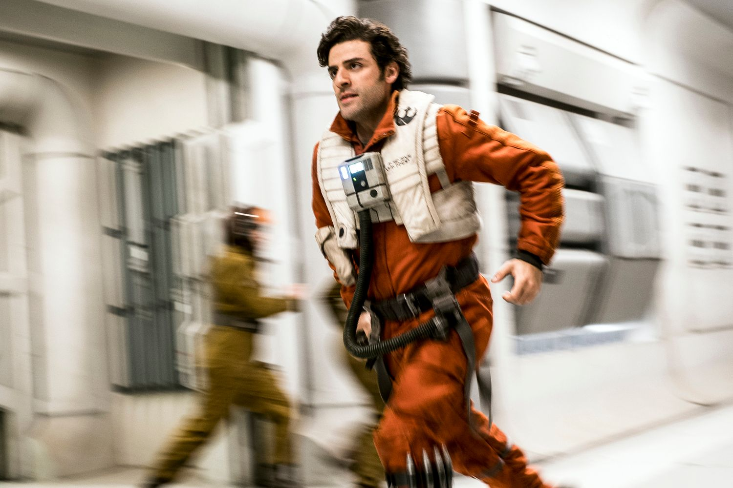 Oscar Isaac: 'Star Wars Episode IX' Has More Improvisation Than 'Last Jedi' & 'Force Awakens'