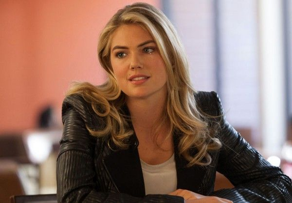 the-layover-kate-upton-01