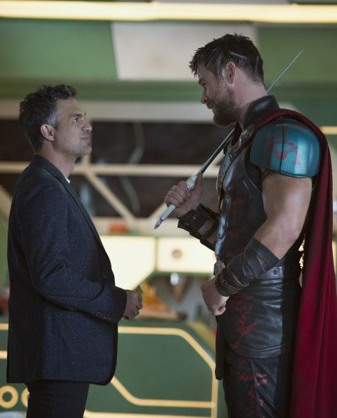 thor-ragnarok-mark-ruffalo-chris-hemsworth