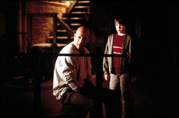 unbreakable-bruce-willis-spencer-treat-clark
