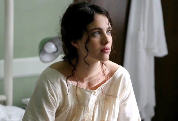 novitiate-margaret-qualley-02