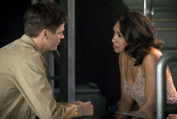 the-flash-season-4-grant-gustin-candice-patton