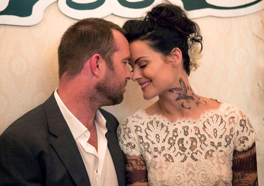 Blindspot showrunner martin gero on season 3 new for Tv show with tattooed woman
