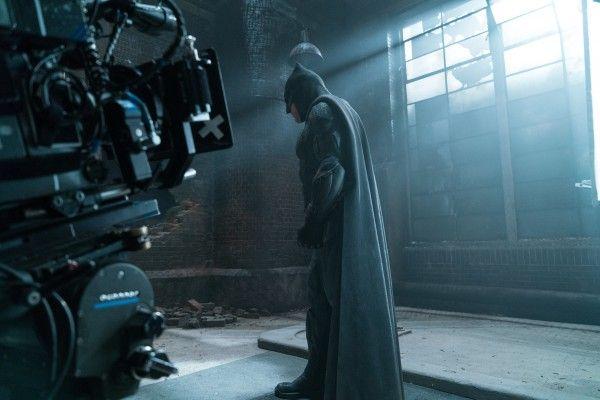 justice-league-ben-affleck-set-photo