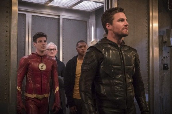 the-flash-season-4-crisis-on-earth-x-crossover-image-15