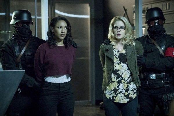 the-flash-season-4-crisis-on-earth-x-crossover-image-3