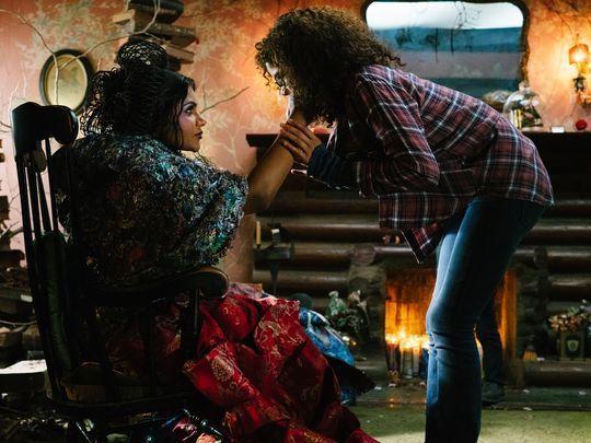 a-wrinkle-in-time-mindy-kaling-storm-reid