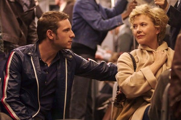 film-stars-don't-die-in-liverpool-annette-bening-jamie-bell-02