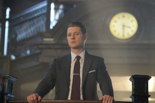 gotham-season-4-queen-takes-knight-image-1