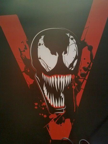 venom-movie-poster-ccxp-image-2-450x600.