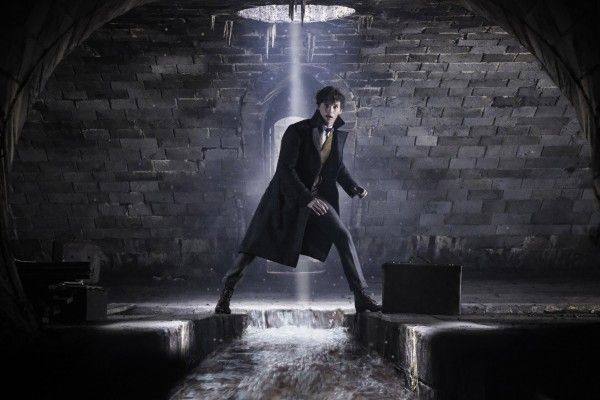 fantastic-beasts-the-crimes-of-grindelwald-eddie-redmayne