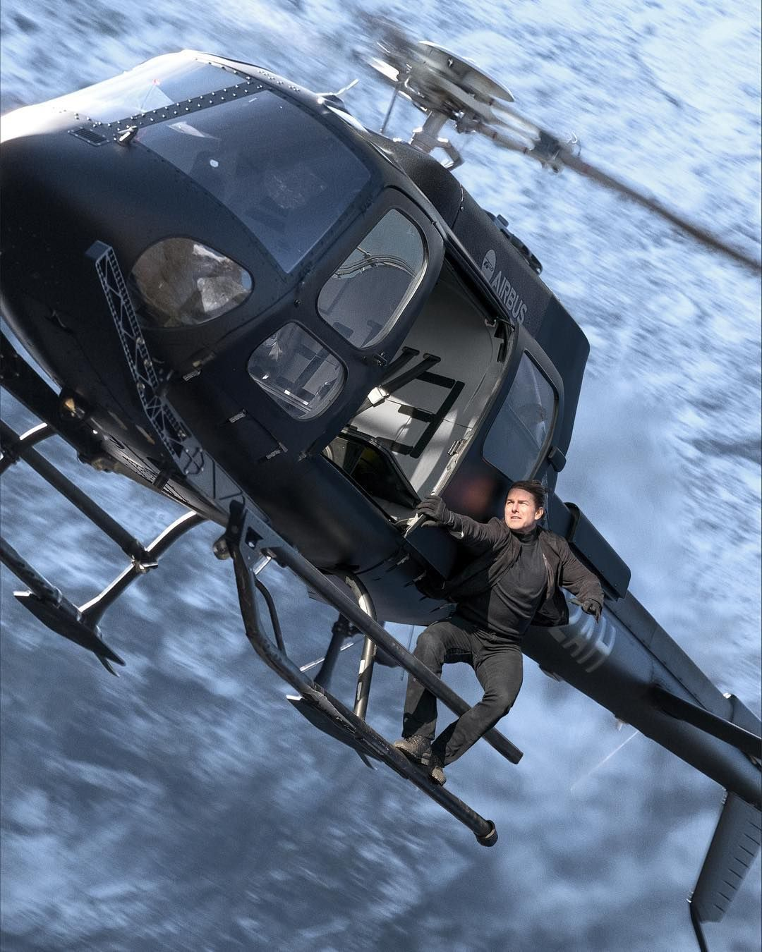 mission impossible 6 title new image revealed by tom cruise collider. Black Bedroom Furniture Sets. Home Design Ideas
