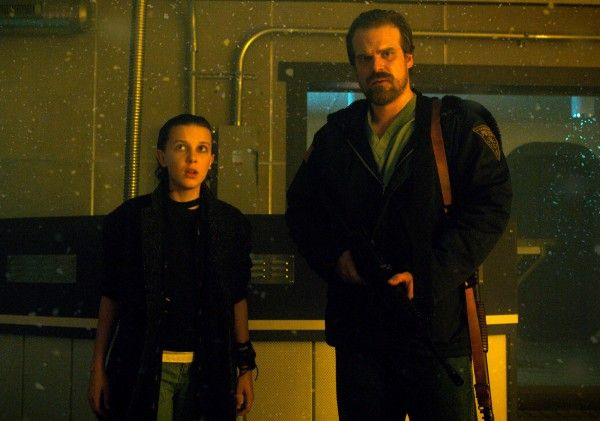 stranger-things-david-harbour-millie-bobby-brown-04