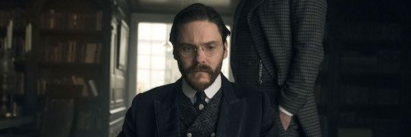 the-alienist-daniel-bruhl-image