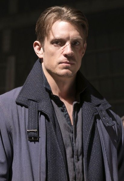 altered-carbon-joel-kinnaman