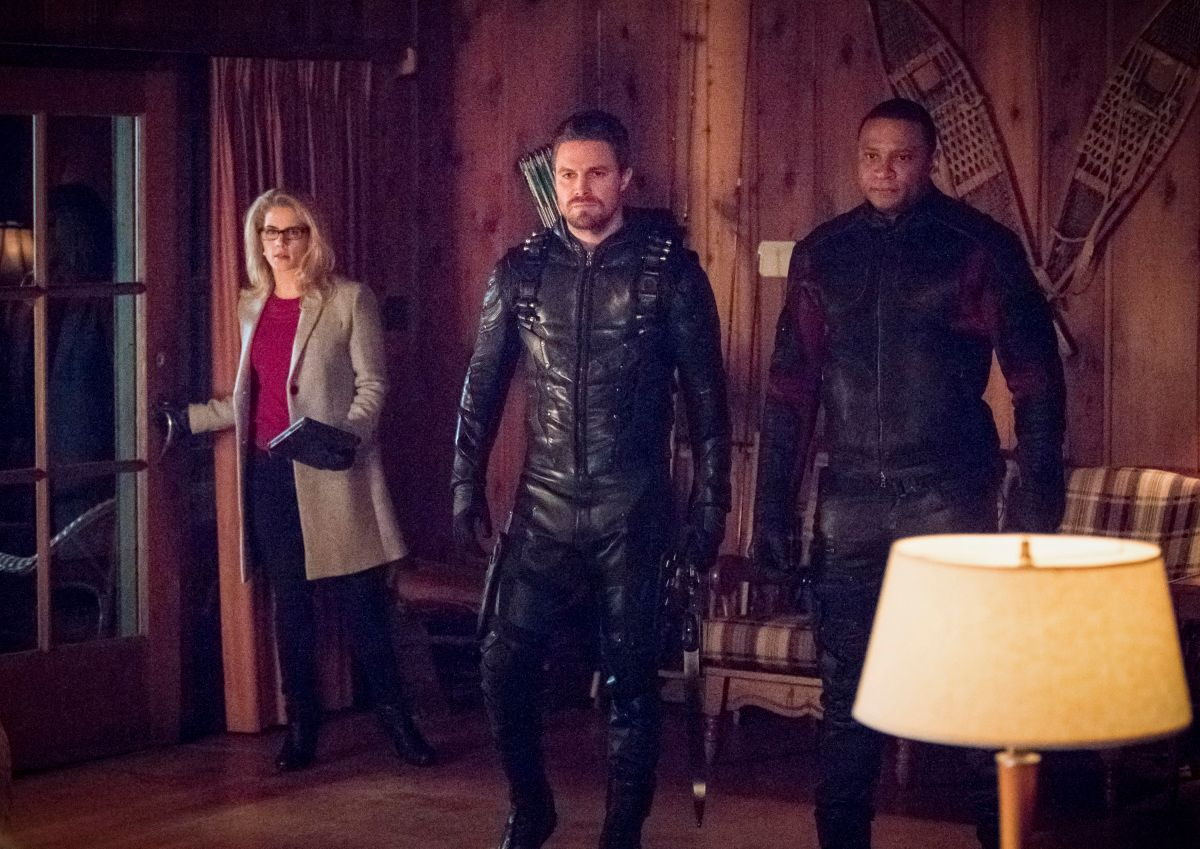 "arrow season 6 collision course image 1 - 'Arrow' Trailer and Images for ""Collision Course"" Pit OTA Against NTA"