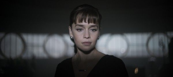 han-solo-movie-images-qira-emilia-clarke