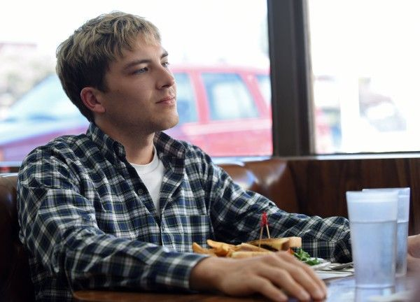 the-assassination-of-gianni-versace-cody-fern-04