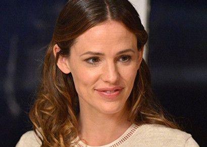 the tribes of palos verdes jennifer garner social - Jennifer Garner to Lead New HBO Series from 'Girls' Duo Lena Dunham & & Jenni Konner