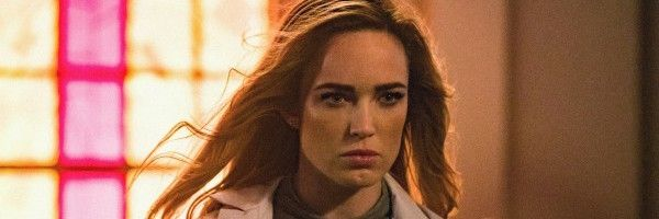 legends-of-tomorrow-season-3-caity-lotz-slice
