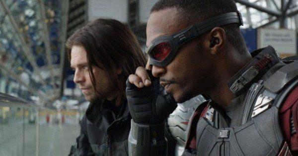 Avengers infinity war anthony mackie sebastian stan on - Faucon avengers ...