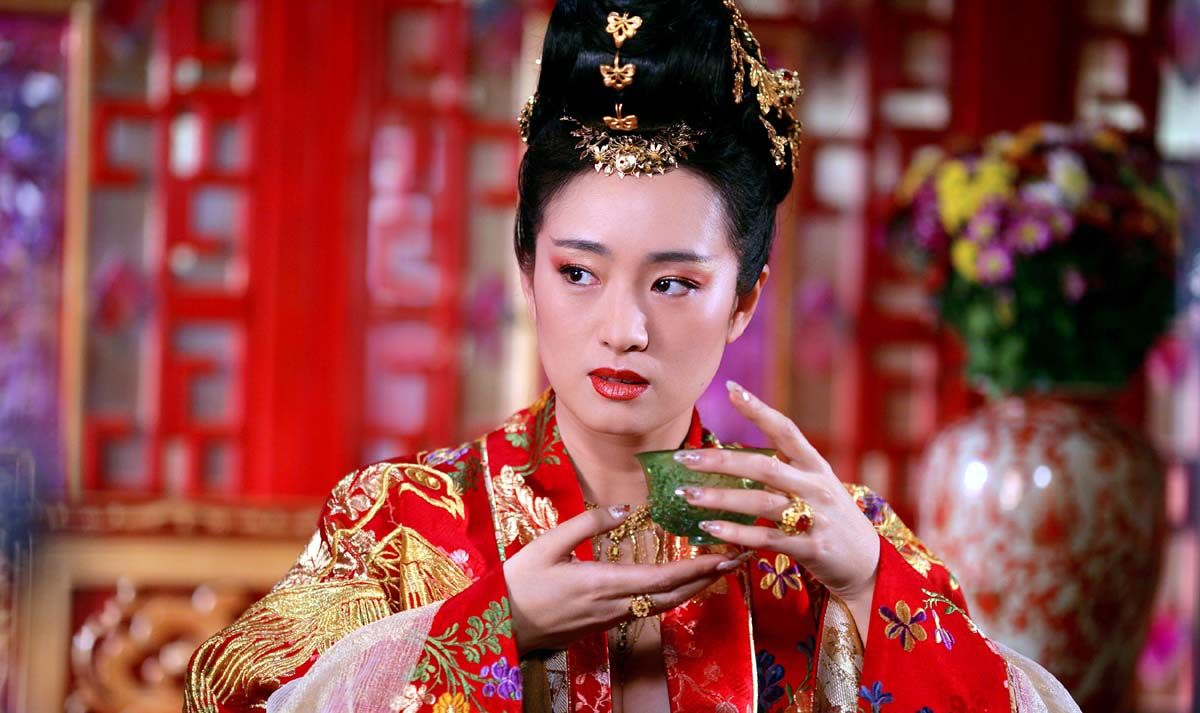 Disney S Mulan Casts Jet Li And Gong Li Changes Villain Collider