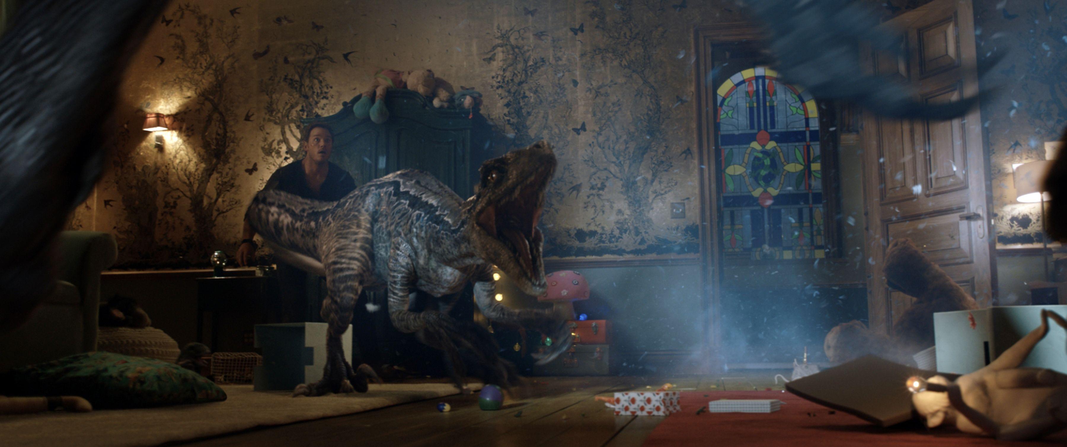 Jurassic World 2 Story Details