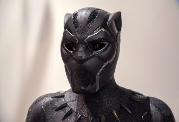 marvel-exhibition-black-panther-suit
