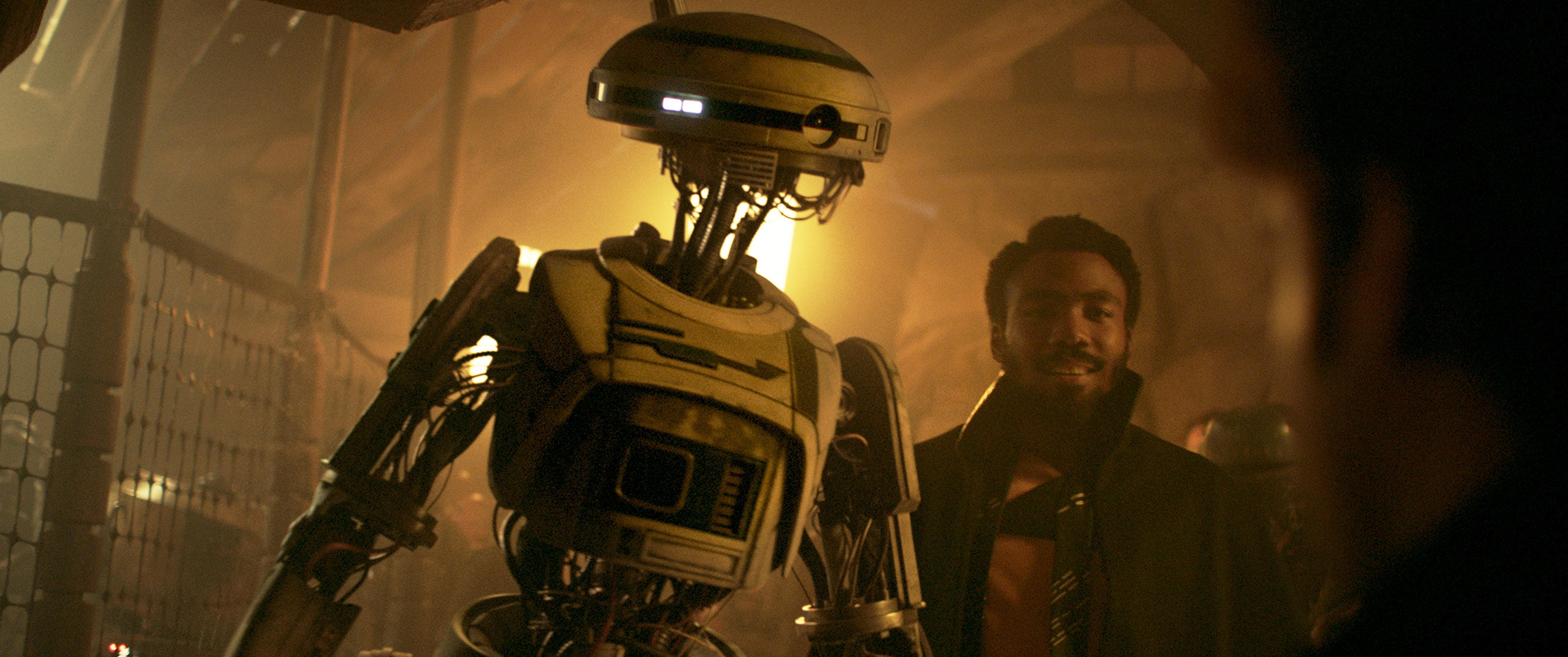 New Solo Images Feature Droids, Lando from the Star Wars Story ...
