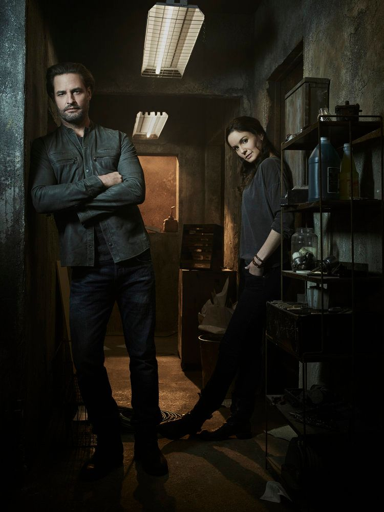 Colony: Josh Holloway and Sarah Wayne Callies on Season 3