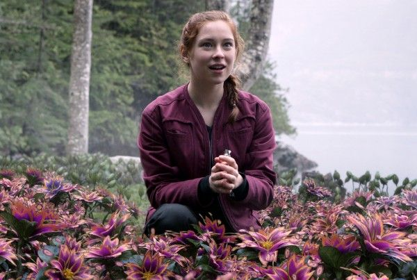 lost-in-space-mina-sundwall-02