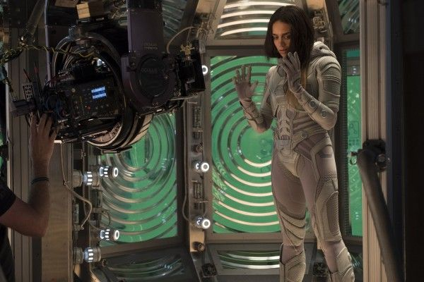 ant-man-and-the-wasp-hannah-john-kamen-set-photo