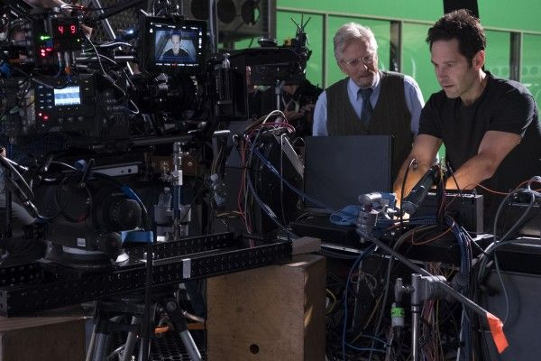 ant-man-and-the-wasp-set-photo-paul-rudd-michael-douglas