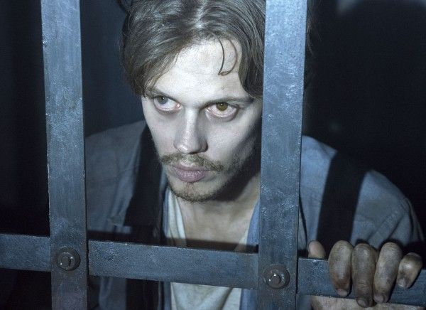 castle-rock-bill-skarsgard-02