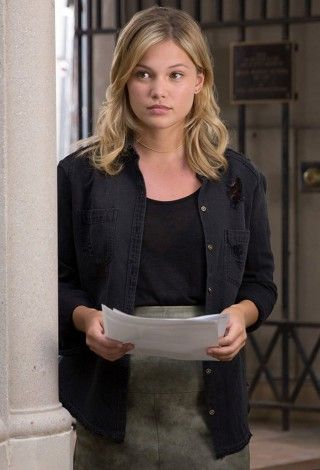 cloak-and-dagger-olivia-holt-02