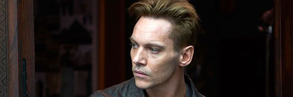 damascus-cover-jonathan-rhys-meyers-slice