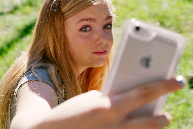 Eighth Grade Star Elsie Fisher On Bo Burnhams Directorial Debut  Collider-3209
