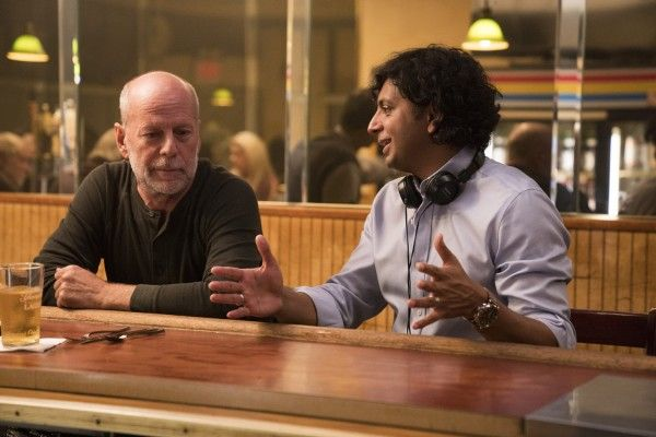 glass-bruce-willis-m-night-shyamalan