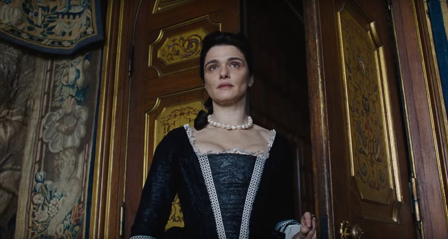 The Favourite: The Favourite Sweeps British Independent Film Awards With