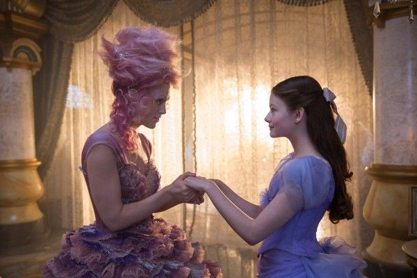 the-nutcracker-and-the-four-realms-keira-knightley-mackenzie-foy