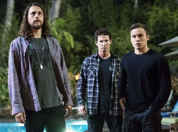 animal-kingdom-shawn-hatosy-ben-robson-finn-cole
