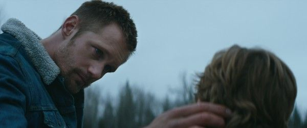 hold-the-dark-alexander-skarsgard