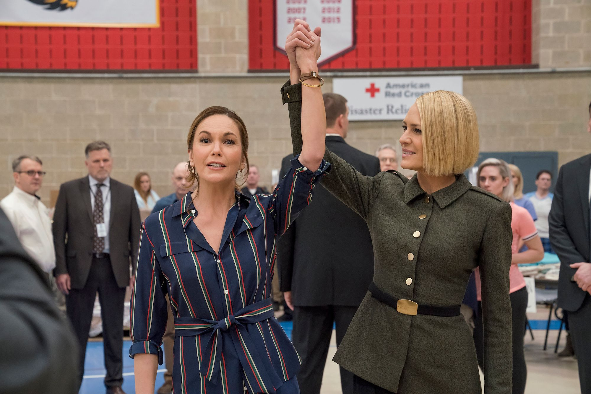 First look at Diane Lane and Greg Kinnear in 'House of Cards'
