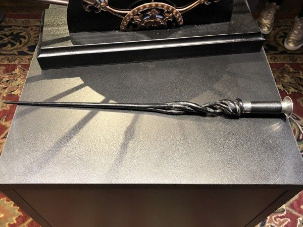 Dumbledore 39 s original wand revealed in new images collider for Dumbledore s first wand